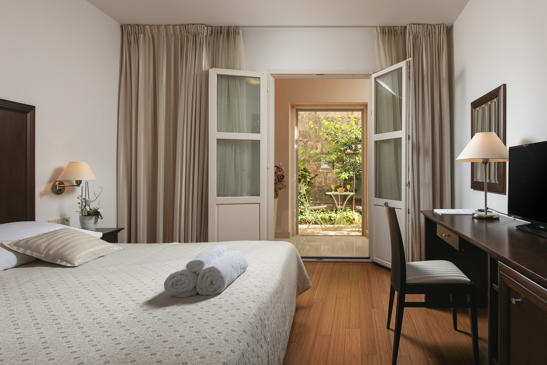 Room with garden exit|Hotel Croatia