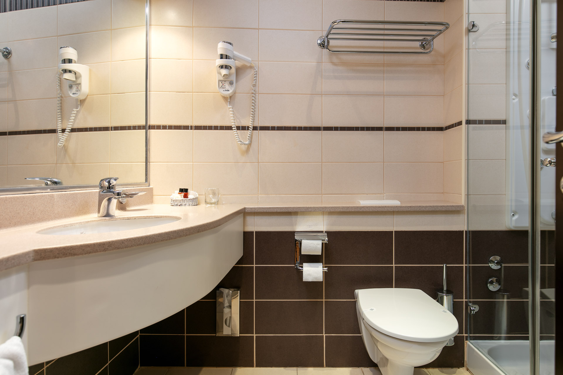 Double room toilet|Hotel Croatia
