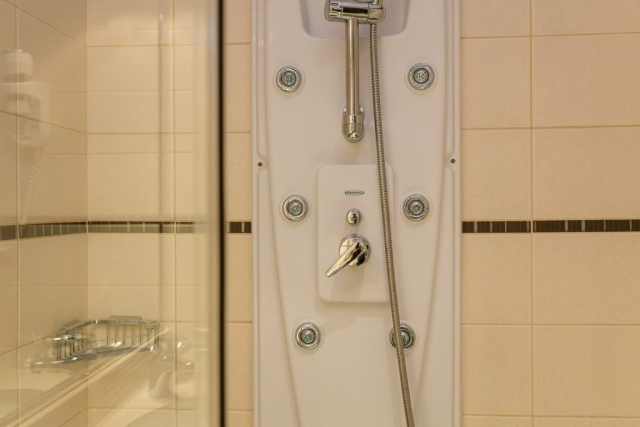 Shower|Hotel Croatia